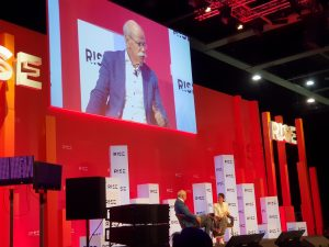 """Dieter Zetsche, Chairman of the Board of Management of Daimler AG, was talking about""""From AI to green tea: East-western lessons for the inventor of the car"""""""